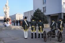 Kasárnami zahřměly salvy z děla. Dělostřelci slavili svátek své patronky Svaté Barbory