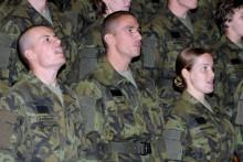 Vyřazení absolventů kurzu základní přípravy (Univerzita obrany): nástupní termín 1.srpen 2015