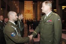Na Vítkově převzali vyznamenání vojáci tří zahraničních operací