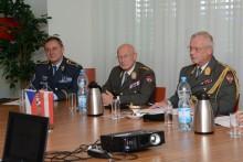 Oficiální návštěva náčelníka Generálního štábu Rakouských ozbrojených sil vČR. Kromě Prahy i ve Vyškově.