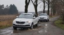 Příslušníci Centra dopravní výchovy seznamovali vojenské veterináře svozidly ŠKODA KAROQ