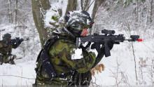 Centrum simulačních atrenažérových technologií: Nové simulátory vyzkoušeli vojáci ze Žatce při výcviku vterénu ivposádce