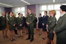 Generál Bečvář poděkoval za svědomitou práci ženám – vojákyním. Oceněna ipříslušnice VeV–VA