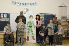 Vojáci prezentovali POKOS poprvé ve speciální základní škole