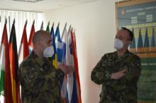 Velitel Vojenské akademie ocenil instruktora za dopadení pachatele