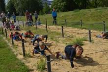 Děti z letního tábora vyzkoušely překážkovou dráhu