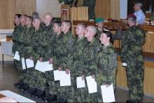 Téměř čtyři stovky nově vycvičených profesionálů posílí armádu