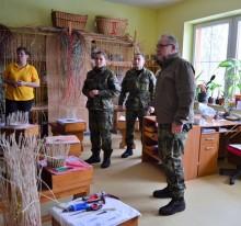 Příslušníci centra základní přípravy obdarovali středisko sociálních služeb ve Střelicích u Brna