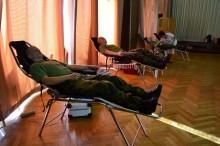 Vojáci kurzů základní přípravy darovali na 26,5 litrů krve