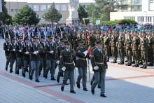 Vojenskou přísahu ve Vyškově složilo bezmála 200vojínů avojínek. Mezi nimi izáložníci adobrovolníci