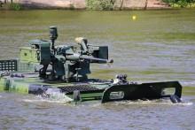 Vojenská technika nezklamala. Při plavbách v Myslejovicích zdolávala vodní překážky
