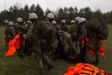 19 bojovníků pokračuje v kurzu velitelů malých jednotek Komando