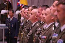 Armádní generál Aleš Opata udělil ocenění příslušníkům VeV-VA připříležitosti 28.října