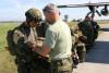 Šedesát výsadkářů, mezi i nimi i naši příslušníci, pomáhalo s certifikací armádních padáků na letouny Hercules