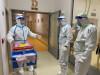 Vojáci nastoupili do Alzheimercentra, kde je přes40nakažených