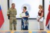Příslušníci Britského vojenského poradního avýcvikového týmu vČeské republice uspořádali charitativní sbírku. Výtěžek věnovali Klubu PAPRSEK
