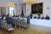 Absolventi Vyššího praporčického kurzu převzali certifikáty naZámku Slavkov